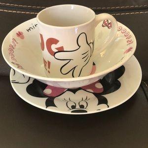 Jerry Leigh Disney Minnie Mouse dinner set.